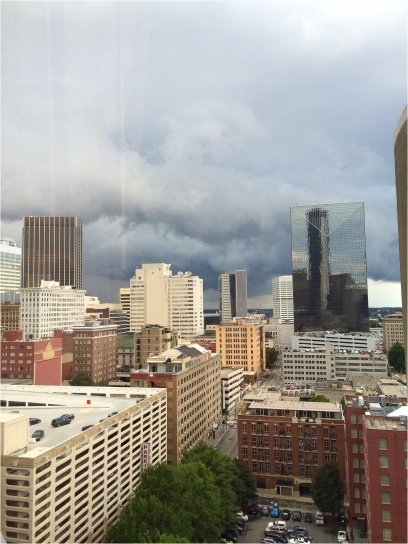 Storm rolls through Atlanta