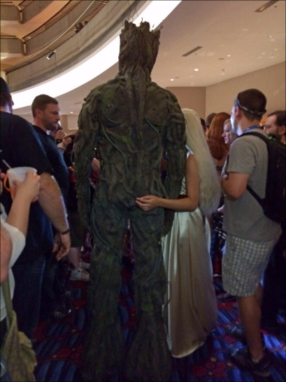 Daenerys Targaryen copping a feel on Groot